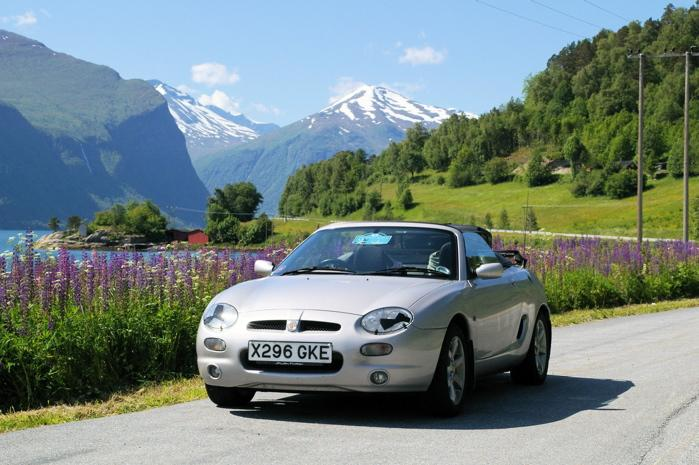 MGF on a Norwegian Road